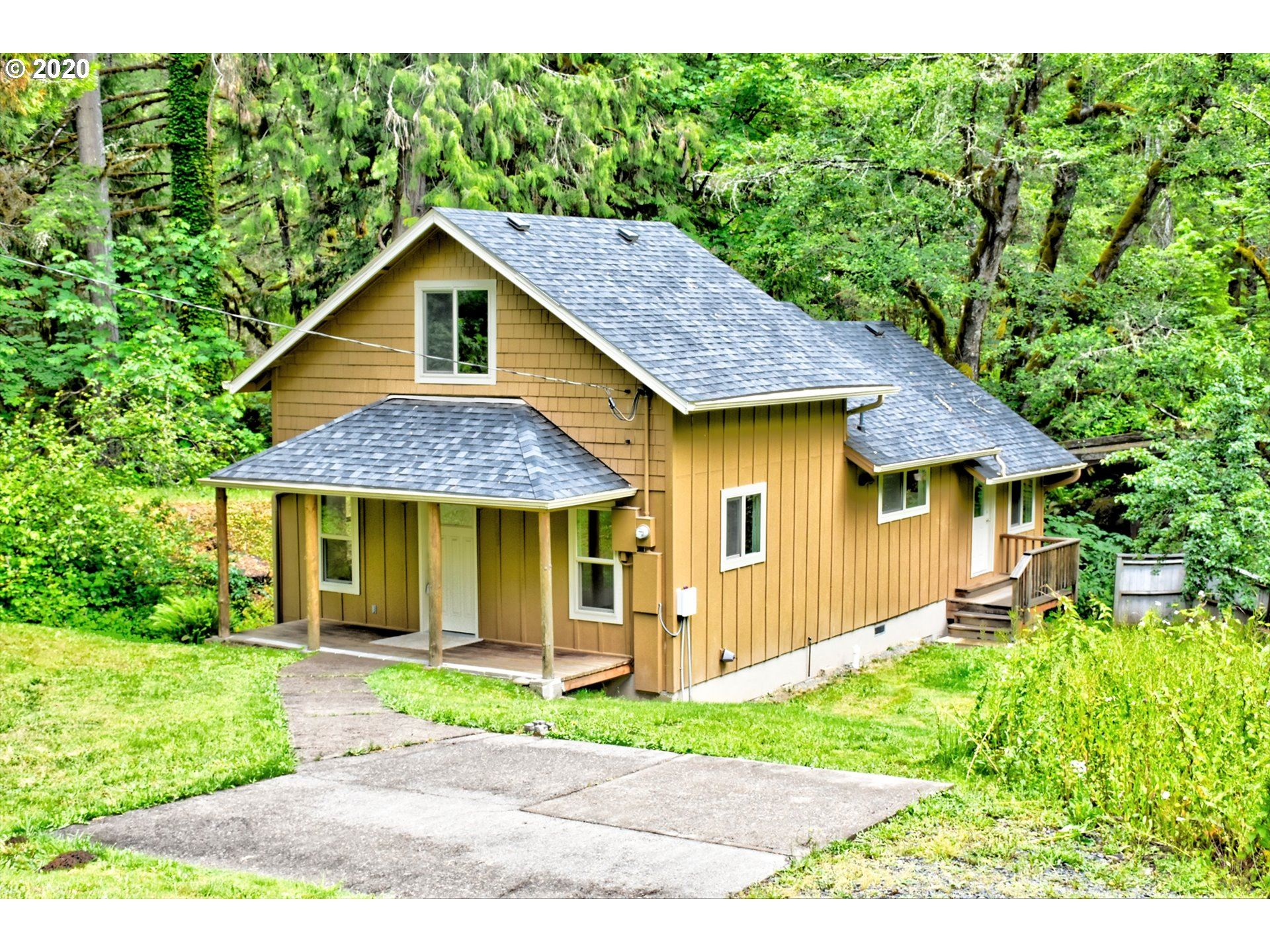 Photo for 80605 LOST CREEK RD, Dexter, OR 97431 (MLS # 20273856)