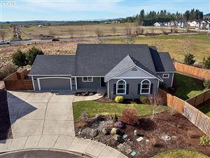 Photo of 395 SW BLUE HERON CT, McMinnville, OR 97128 (MLS # 19683858)