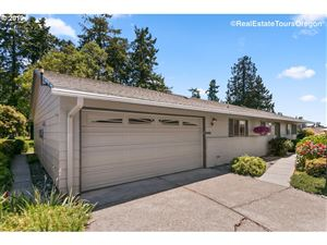 Photo of 16430 SW KING CHARLES AVE, King City, OR 97224 (MLS # 19273859)