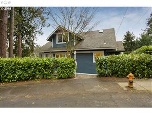 Photo of 2534 SW RAVENSVIEW DR, Portland, OR 97201 (MLS # 19551860)