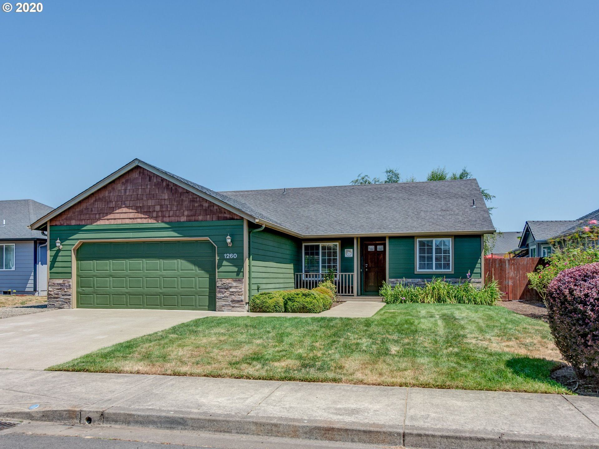 Photo for 1260 HAZELNUT CT, Creswell, OR 97426 (MLS # 20065863)