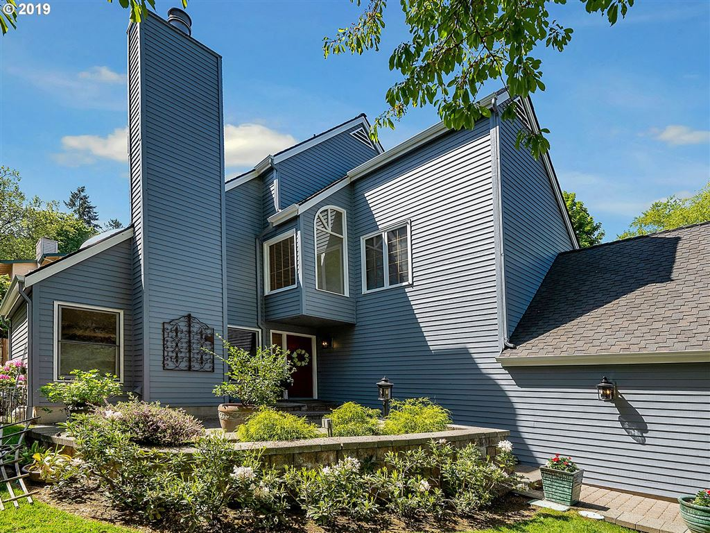 Photo for 48 ORIOLE LN, Lake Oswego, OR 97035 (MLS # 19484864)