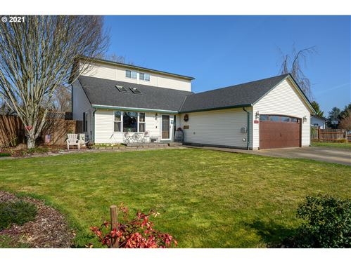 Photo of 2115 SW TAMARACK ST, McMinnville, OR 97128 (MLS # 21013865)