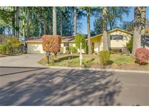 Photo of 1775 CLOVERLEAF RD, Lake Oswego, OR 97034 (MLS # 19170868)