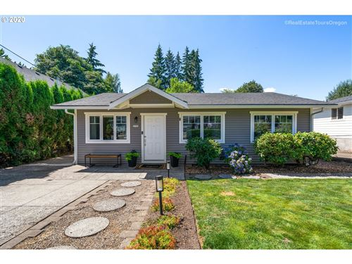 Photo of 2750 SUNSET AVE, West Linn, OR 97068 (MLS # 20173868)