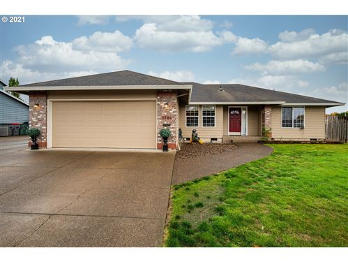 Photo of 1546 SW FELLOWS ST, McMinnville, OR 97128 (MLS # 21503868)