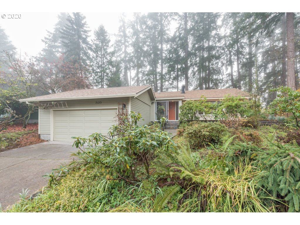Photo for 7123 SW CANBY LN, Portland, OR 97223 (MLS # 20568869)