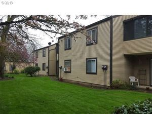 Photo of 2708 SE 138TH AVE 40 #40, Portland, OR 97236 (MLS # 19484870)