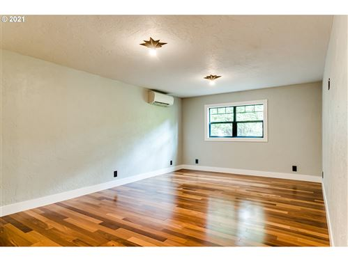 Tiny photo for 594 W Oregon AVE, Creswell, OR 97426 (MLS # 21345870)