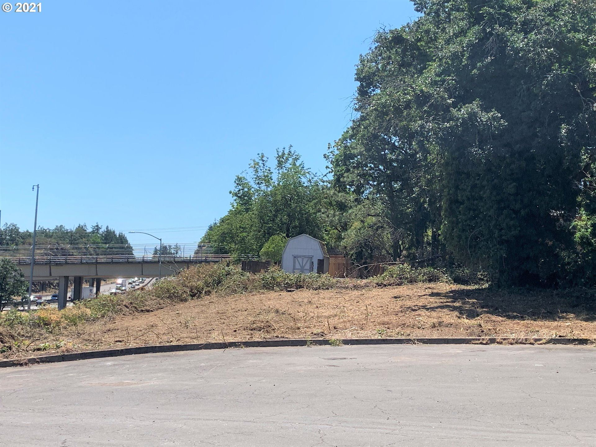 Photo of 0 Amy, West Linn, OR 97068 (MLS # 21551871)