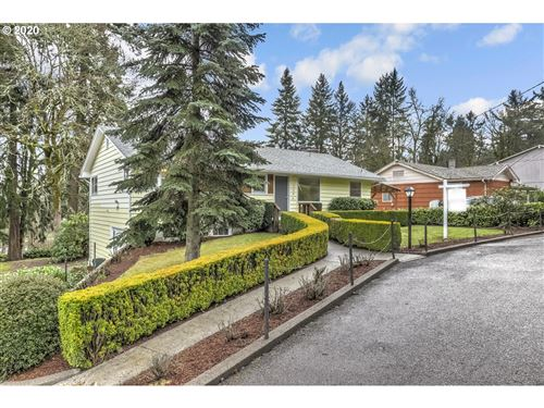 Photo of 19464 VIEW DR, West Linn, OR 97068 (MLS # 20252873)