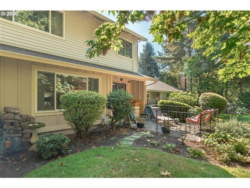 Photo of 15985 SW BRENTWOOD CT, Tigard, OR 97224 (MLS # 20585873)