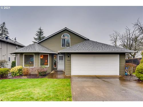 Photo of 10643 SW 49TH AVE, Portland, OR 97219 (MLS # 21224873)