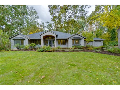 Photo of 8322 CARSON CT, Woodburn, OR 97071 (MLS # 21676873)