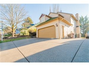 Photo of 11840 SE TIMBER VALLEY DR, Happy Valley, OR 97086 (MLS # 18444874)