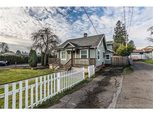 Photo of 2741 SE 87TH AVE, Portland, OR 97266 (MLS # 19129874)