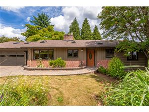 Photo of 1029 LAUREL ST, Lake Oswego, OR 97034 (MLS # 19459874)
