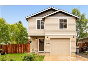 Photo of 16348 FREDERICK ST, Oregon City, OR 97045 (MLS # 19620875)