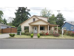 Photo of 10320 SE MITCHELL ST, Portland, OR 97266 (MLS # 19361876)