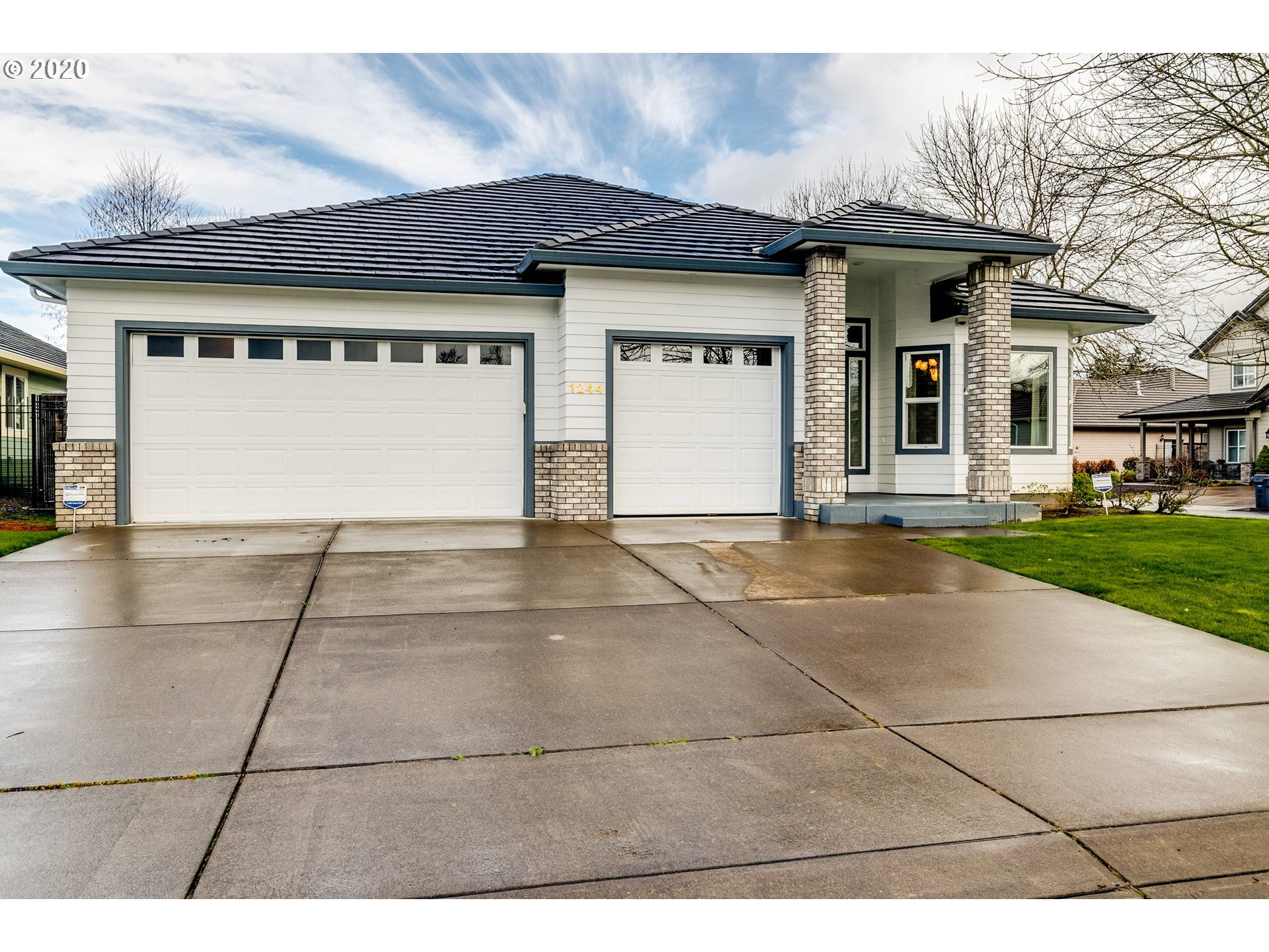Photo for 1244 SPYGLASS CT, Creswell, OR 97426 (MLS # 20211878)