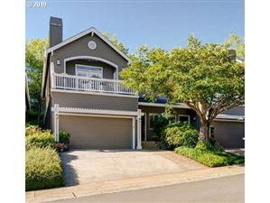 Photo of 3024 CLUB HOUSE CT, West Linn, OR 97068 (MLS # 19330879)