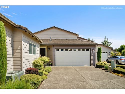 Photo of 1318 NW OAKMONT CT, McMinnville, OR 97128 (MLS # 20251879)