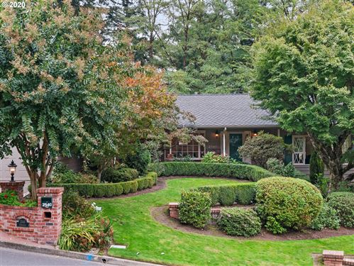 Photo of 2540 SW GARDEN VIEW AVE, Portland, OR 97225 (MLS # 20609880)