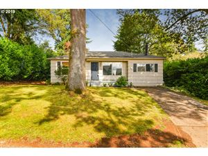 Photo of 2463 SUNSET AVE, West Linn, OR 97068 (MLS # 19520882)