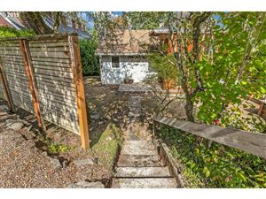 Photo of 4517 SW FAIRVALE CT, Portland, OR 97221 (MLS # 19176884)