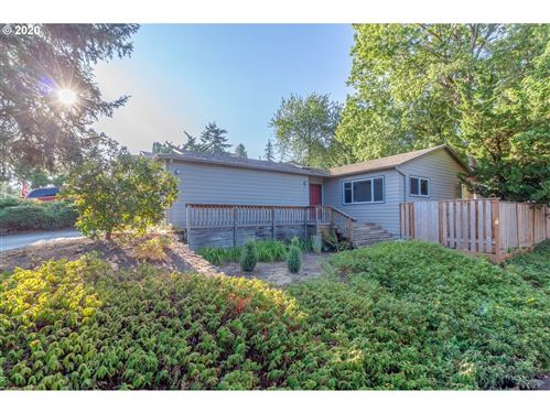 Photo of 3136 SW IOWA ST, Portland, OR 97239 (MLS # 20462884)