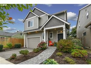 Photo of 5342 SE HENDERSON ST, Portland, OR 97206 (MLS # 19117885)