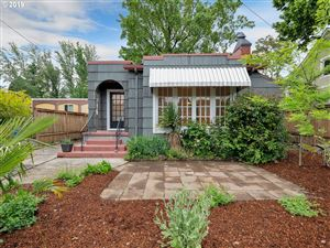 Photo of 4115 SE GLADSTONE ST, Portland, OR 97202 (MLS # 19568885)