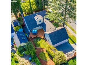 Photo of 5306 SE 37TH AVE, Portland, OR 97202 (MLS # 19475891)