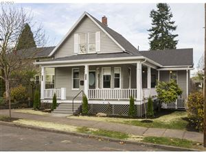 Photo of 1217 SE RHONE ST, Portland, OR 97202 (MLS # 19201893)