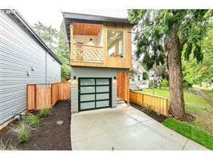 Photo of 7421 N NEWMAN AVE, Portland, OR 97203 (MLS # 19020895)