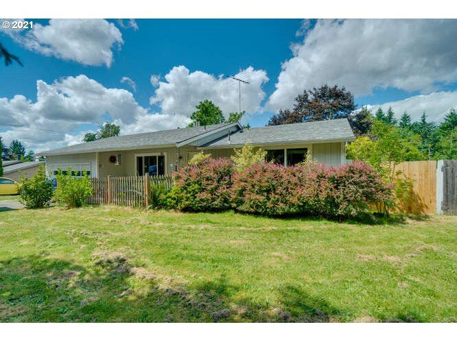 Photo for 13651 SE 222ND DR, Damascus, OR 97089 (MLS # 21223895)
