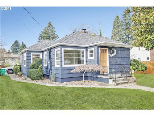 Photo of 6937 SE 48TH AVE, Portland, OR 97206 (MLS # 19360896)