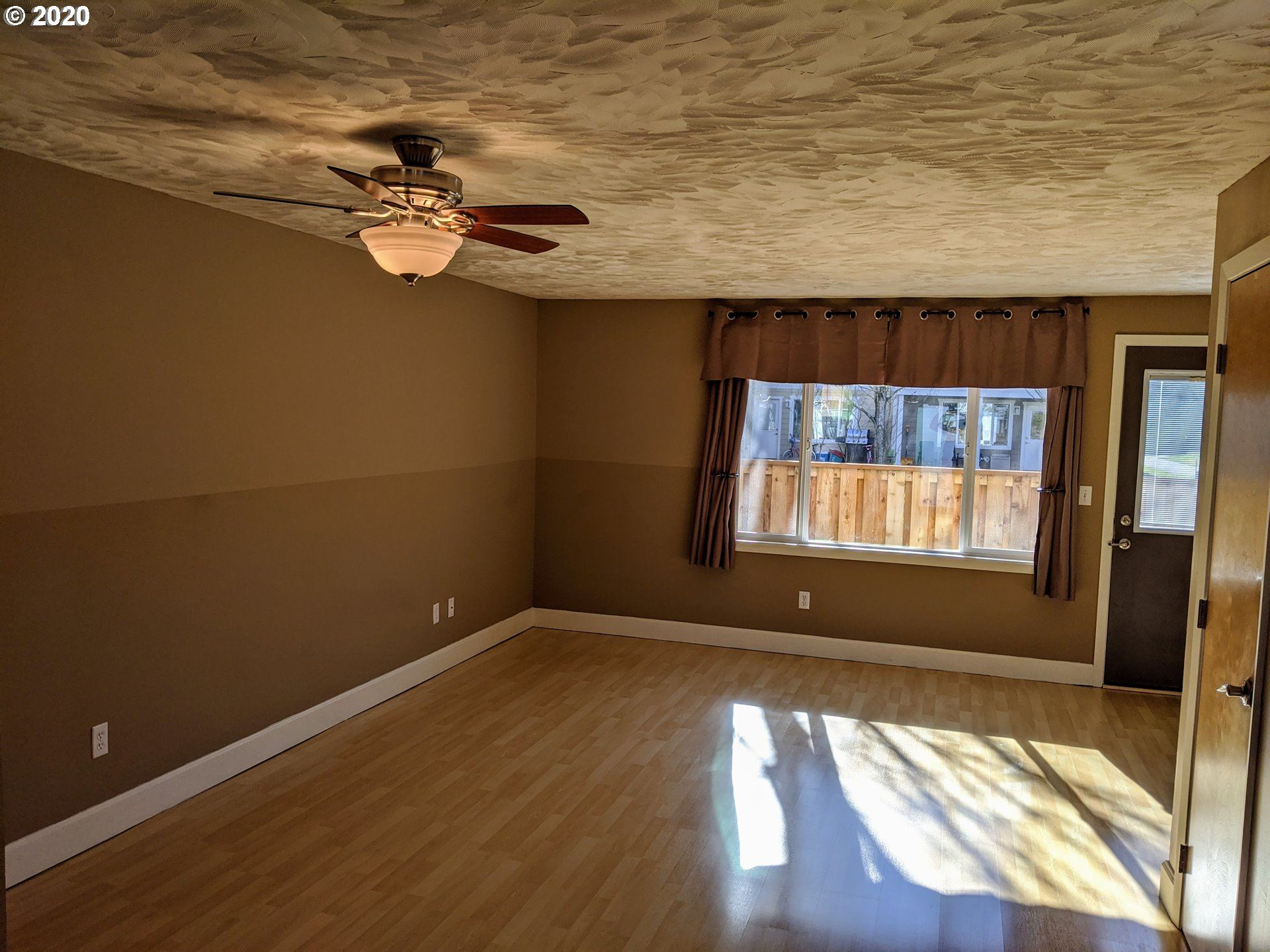 Photo of 1706 AVALON WAY #22, Hood River, OR 97031 (MLS # 20275896)