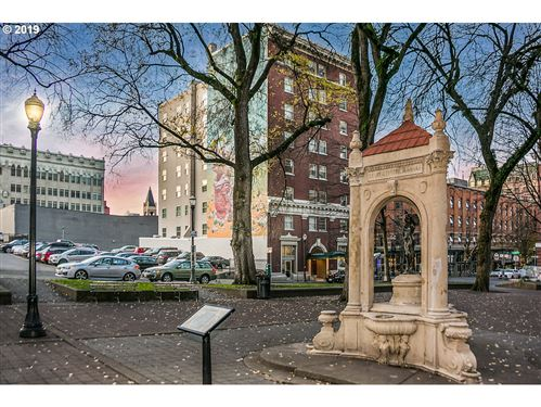 Photo of 1005 SW PARK AVE #707, Portland, OR 97205 (MLS # 19209898)