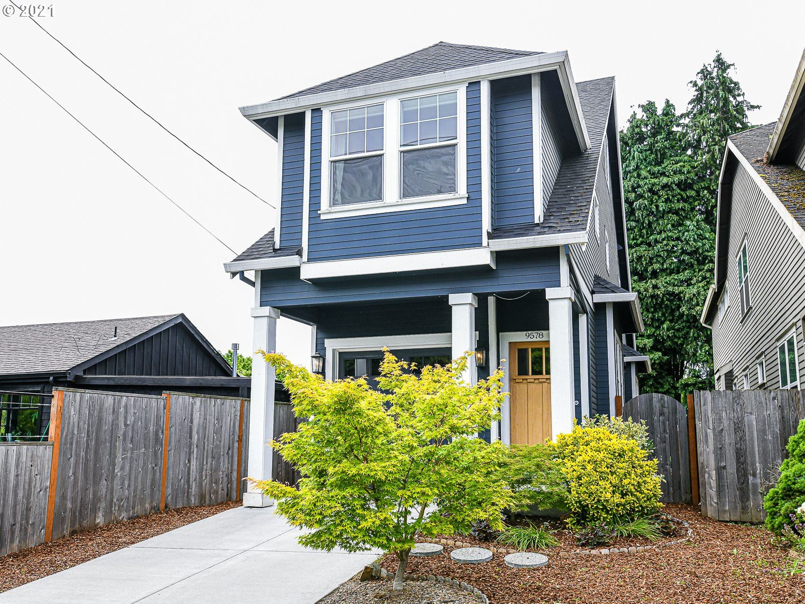 Photo for 9578 N BURR AVE, Portland, OR 97203 (MLS # 21291901)