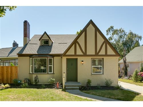 Photo of 7007 SE 28TH AVE, Portland, OR 97202 (MLS # 20474903)
