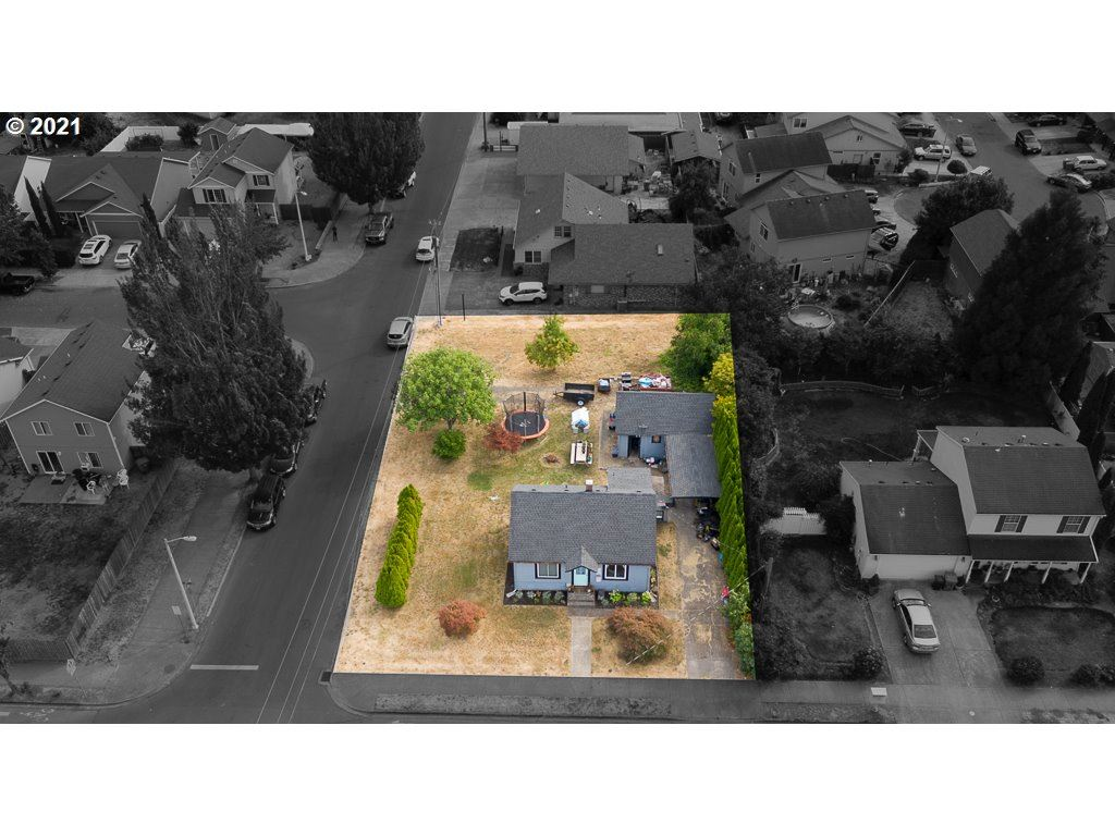 Photo of 1438 SW 2ND ST, McMinnville, OR 97128 (MLS # 21438903)