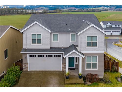 Photo of 956 HEARTWOOD AVE, Forest Grove, OR 97116 (MLS # 19260904)