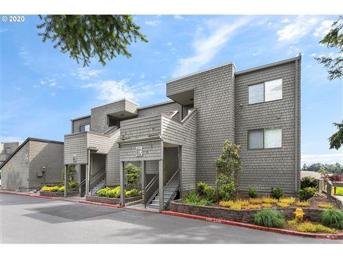 Photo of 5640 SW RIVERSIDE LN #1, Portland, OR 97239 (MLS # 20116904)
