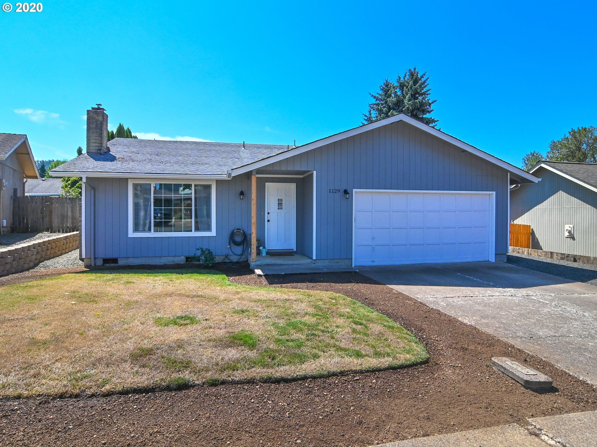 Photo for 1129 CEDAR PL, Creswell, OR 97426 (MLS # 20230904)