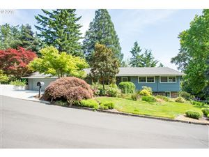Photo of 3850 SW 54TH PL, Portland, OR 97221 (MLS # 19620905)
