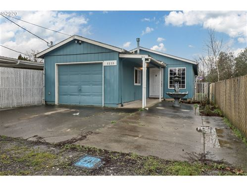 Photo of 7235 SE 57TH AVE, Portland, OR 97206 (MLS # 20193906)