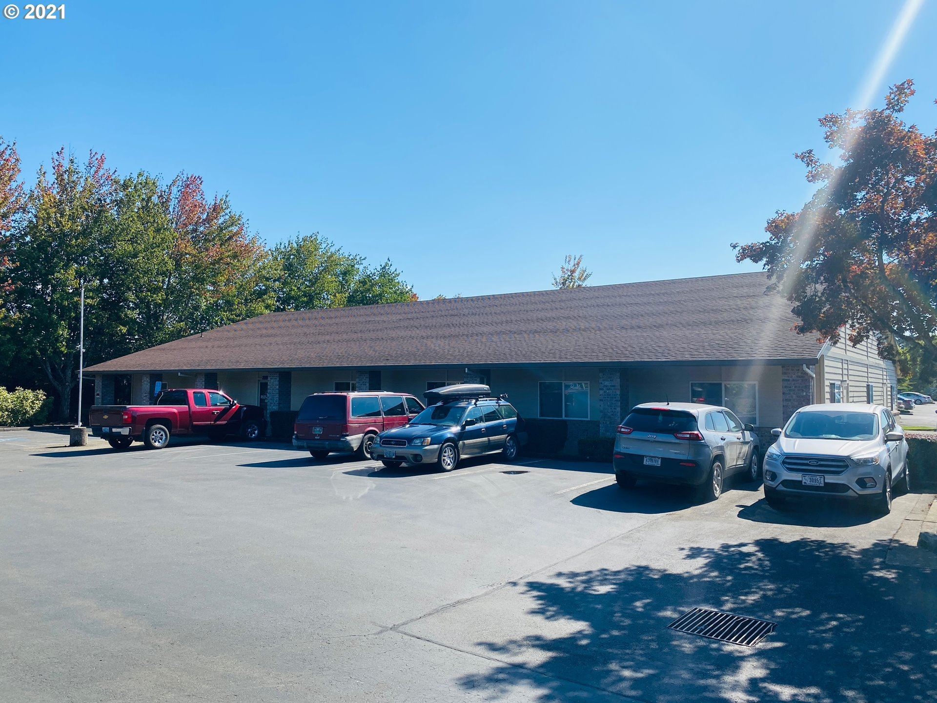 Photo of 2200 SW 2ND ST, McMinnville, OR 97128 (MLS # 21316906)