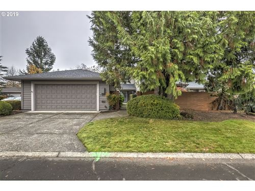 Photo of 7465 SW GREENS VIEW CT, Wilsonville, OR 97070 (MLS # 19052907)