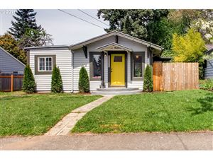 Photo of 8035 SE CLAY ST, Portland, OR 97215 (MLS # 19036908)